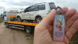 tro 7 300x169 - FORTES CHUVAS: Carro de deputado paraibano capota três vezes na BR-230, ele e ocupantes são levados as pressas para hospital - VEJA FOTOS