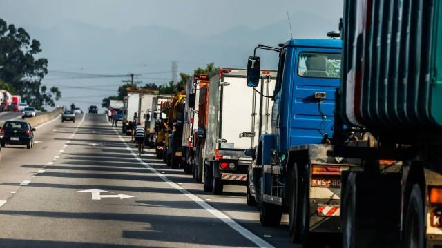 76926402 rio de janeiro 2305 2018 greve do caminhoneiros na foto caminhaµe - PF investigará mensagens sobre suposta greve de caminhoneiros, diz ministério