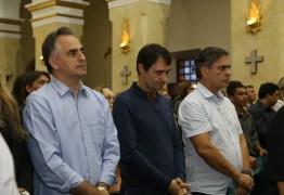 Luciano Cartaxo acompanha missa de 7º dia de falecimento de Rômulo Gouveia