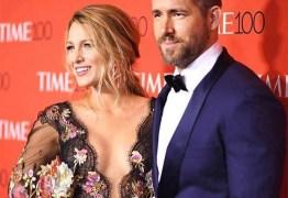 Ryan Reynolds conta que foi a esposa Blake Lively quem dirigiu ao hospital no dia do parto