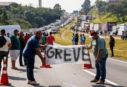 """""""Vamos travar de novo o país. Dessa vez é guerra"""" Os caminhoneiros estão organizando outra greve?"""