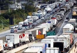 GREVE?: Caminhoneiros da Paraíba se reúnem após novo aumento do Diesel