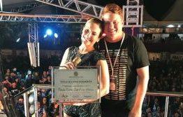 VEJA VÍDEO: Cláudia Leitte recebe título de cidadã de Sousa