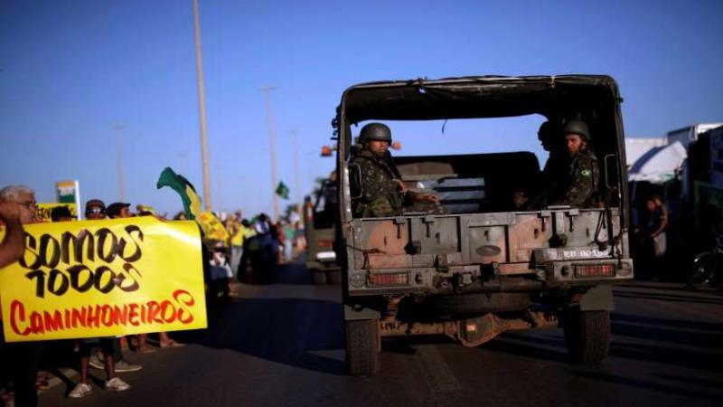 exercito - GREVE DOS CAMINHONEIROS: começam prisões de infiltrados