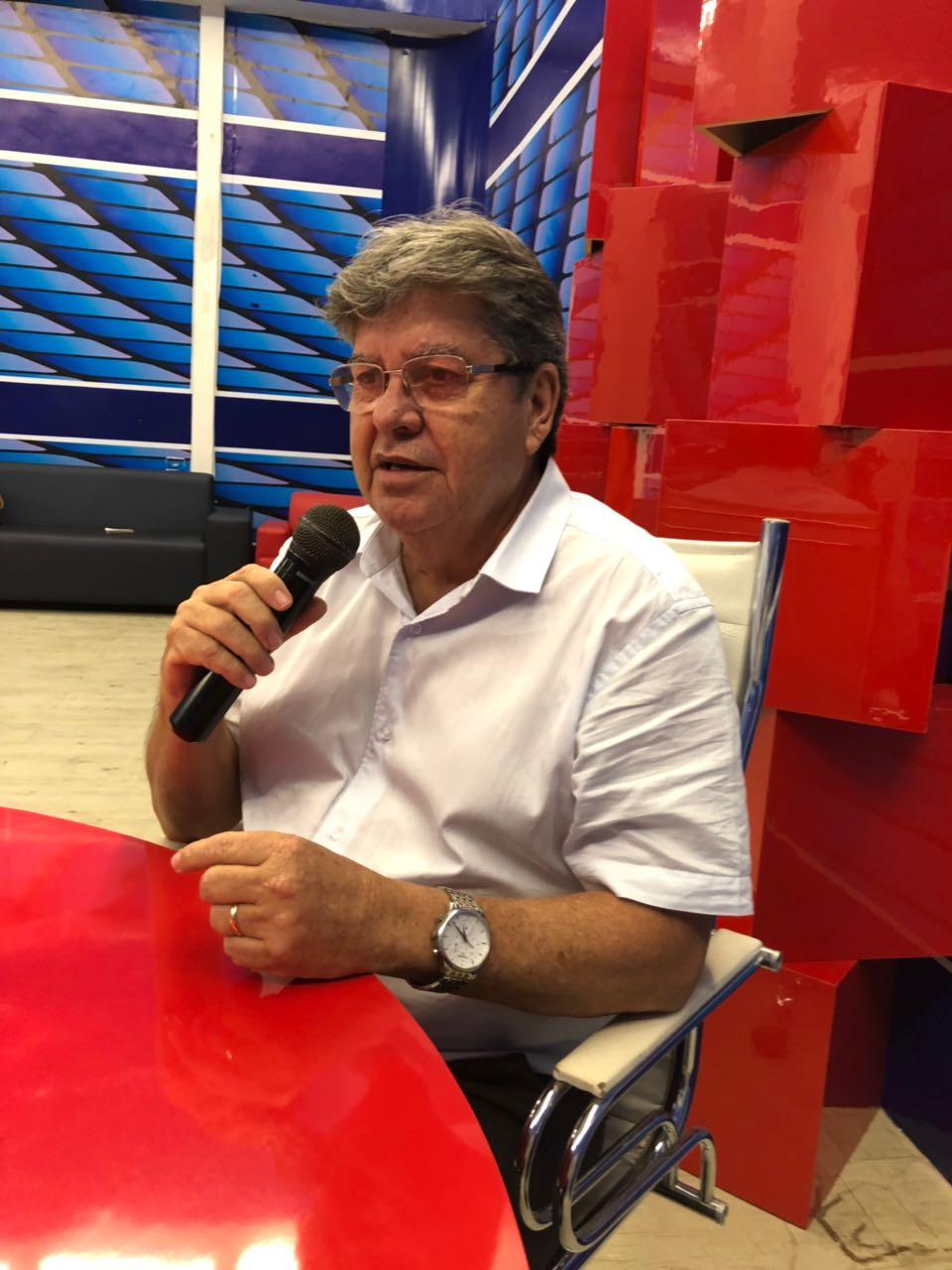 """joão azevedo entrevista alex filho - """"A oposição está chegando atrasada"""" diz João Azevêdo sobre CPI da Cruz Vermelha"""