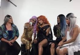 Minha mãe é uma drag! Com amor e muitas dicas, drag queens experientes 'adotam' calouras