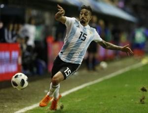 020 963632204 1  300x228 - Lanzini rompe ligamento do joelho direito e deve ser cortado da seleção Argentina