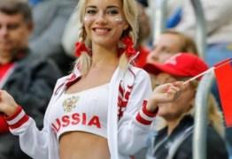 'Detetives' da web investigam torcedora símbola da Rússia e descobrem profissão ousada da musa da Copa