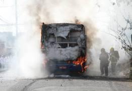TERROR E CAOS: Em 24 horas, Minas tem mais de 20 ataques a ônibus