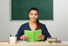 No Brasil, a carreira de professor não é considerada uma opção rentável