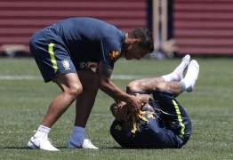 Inseparável e conselheiro, Thiago Silva prevê Neymar rumo à glória em vestiário