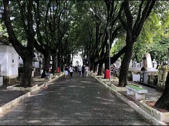 """Sem título 4 - NINJA NA REDE! Em visita a cemitério, vereador de João Pessoa manda recado: """"Esse é o caminho de todos, ricos e pobres"""""""