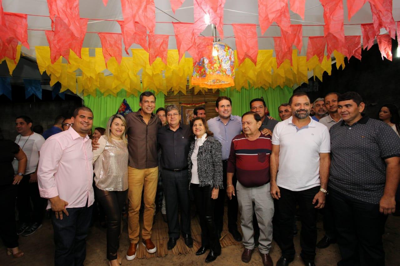WhatsApp Image 2018 06 29 at 08.01.08 - Em Mamanguape, João Azevedo é recebido por prefeita e lideranças na tradicional festa de São Pedro