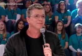 Climão: Falabella e Boninho se estranham no Show dos Famosos