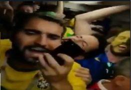 """VEJA VÍDEO: Brasileiros criam parodia que vira a """"melhor música da Copa"""""""