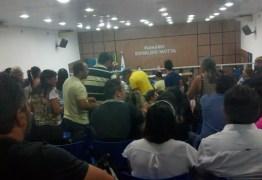 Na Câmara, juventude de Patos acusa Nadir, Lucinha Peixoto, Nabor e Hugo de golpistas; VEJA VÍDEO!