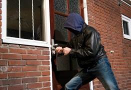 Quadrilha assalta casa de filho de deputado; dois foram presos