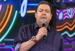 Sem papas na língua, Faustão alfineta presidente do Grupo Globo
