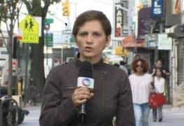 Repórter da Record dispensa peruca e revela câncer em rede nacional