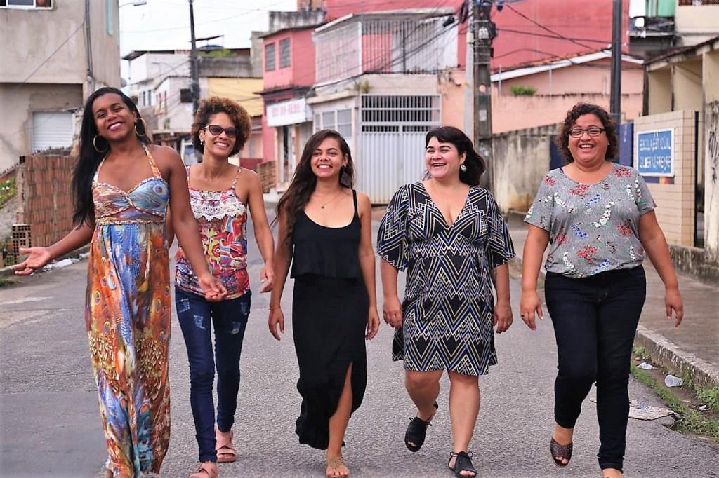 juntas 1024x682 - INÉDITO: Mulheres lançam primeira pré-candidatura a um mandato coletivo em PE