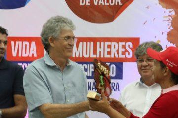De Ricardo a Lira: fenômeno das desistências marca eleição deste ano na Paraíba – Por Nonato Guedes