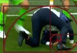 VEJA VÍDEO: Ederson derruba Tite em comemoração de gol do Brasil