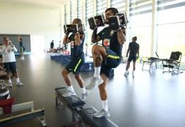 Seleção brasileira faz treino físico na academia do CT do Tottenham