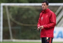 Barbieri testa Fla com Lincoln e Uribe no ataque; Guerrero volta a treinar