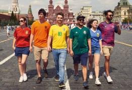 Protesto disfarçado cria bandeira LGBT com camisas da Copa