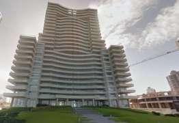 Mulher de 44 anos e filha de 4 morrem ao cair do 21º andar de prédio