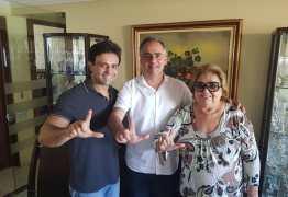 Lucélio recebe apoio de Dona Dida, ex-prefeita de Itabaiana, e do vice-prefeito Sinval