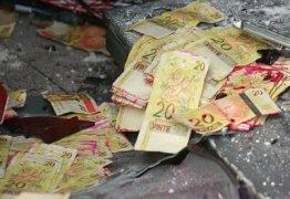 MADRUGADA DE TERROR: Grupo armado explode agência bancária e promove tiroteio no sertão da PB
