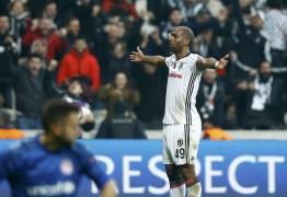 Flamengo oferece cerca de R$ 20 milhões por Babel e ainda aguarda resposta de turcos