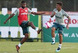 Emerson Santos chega a Porto Alegre para realizar exames e assinar com o Inter