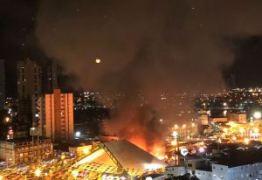 BOMBEIROS CONFIRMAM: Incêndio no Parque do Povo destruiu 24 barracas – VEJA VÍDEO
