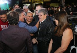 Em campanha na cidade de Solânea os caminhos de Cássio e João Azevedo se cruzam: ENTENDA
