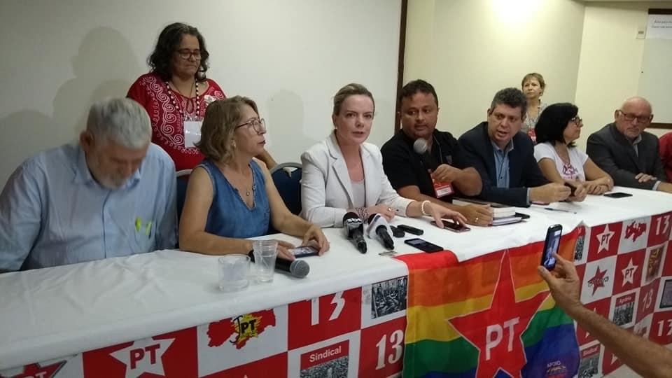 Gleisi PB Online - UM GIRASSOL NO JARDIM DO LULA: 'Queremos muito ter o governador Ricardo na campanha de Lula', diz Gleisi Hoffmann