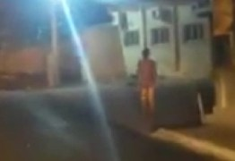 VEJA VÍDEO: Homem sem roupa é filmado andando pelo Centro de Cabedelo