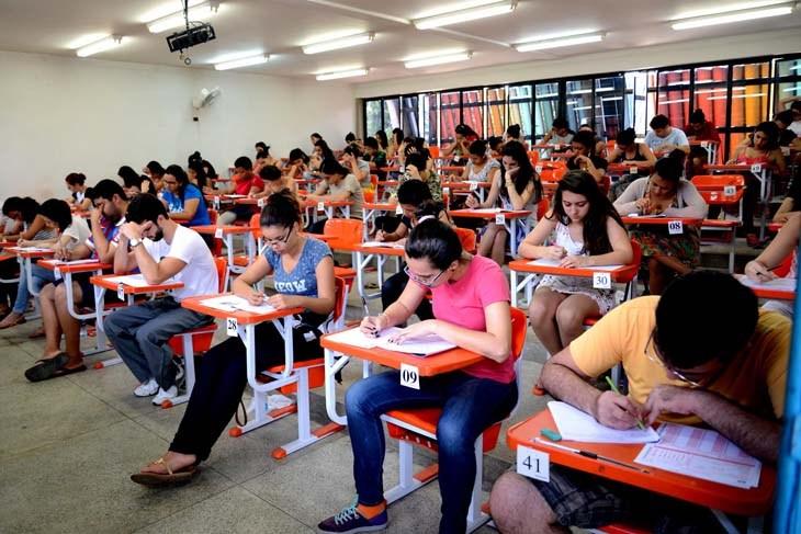 UEFS prova Foto Bernardo Bezerra - Universidade terá cota para trans, ciganos e autistas em todos os cursos