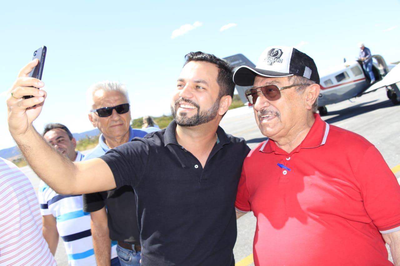 WhatsApp Image 2018 07 15 at 6.14.50 PM - RITMO DE PRÉ-CAMPANHA: Zé Maranhão vai à Catolé e conta com apoio de ex-prefeito