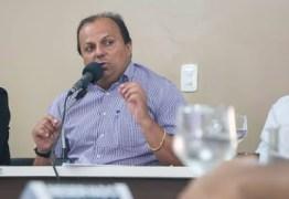 Ricardo denuncia uso político de emissoras de Rádio pertencente a deputado estadual
