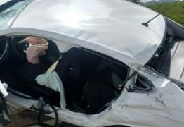 Comerciante morre ao perder controle e carro capotar no Sertão