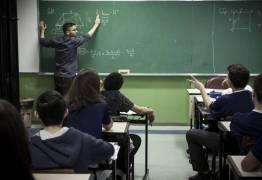 Sob pressão, Temer mudará base curricular para o ensino médio