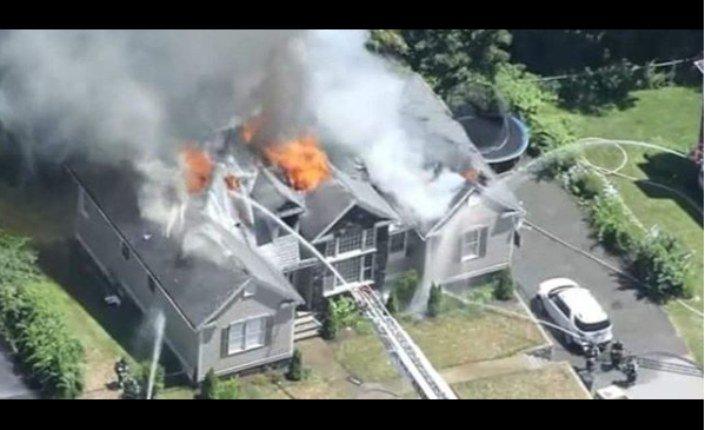 incendio casa elaine de jesus - VEJA VÍDEO: Incêndio destrói casa de cantora gospel, e a mesma pede orações