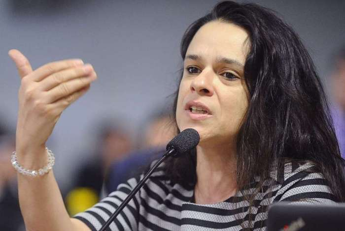 janaina paschoal - 'Deixa o Mourão trabalhar esse período', afirma Janaína Paschoal em mensagem para Bolsonaro