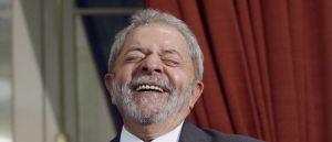 lula sorridente 300x129 - LULA LIVRE:  Desembargador do TRF-4 manda soltar Lula da prisão ainda neste domingo
