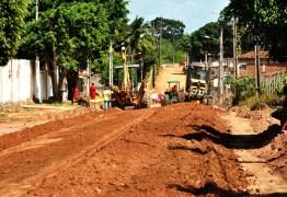 Ricardo Coutinho inspeciona obras de mobilidade urbana no Alto do Mateus