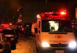 Celular ligado à tomada causa incêndio e família é hospitalizada na Paraíba