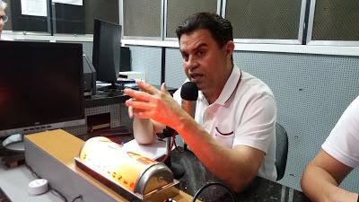santiago... - Santiago vê crescimento de Azevedo e defende Nabor ou Polyana para Vice e admite Daniela Ribeiro