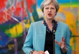 Theresa May se reúne com ministros para planejar saída da União Européia